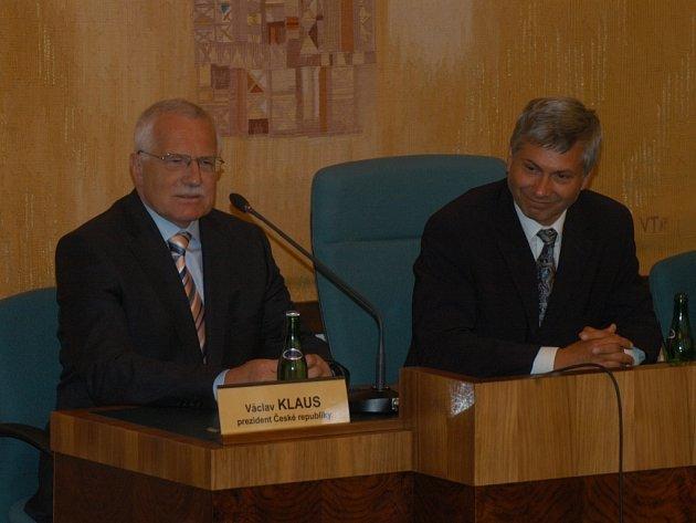 Prezident Václav Klaus ve středu 27. června zavítal také mezi ostravské zastupitele.