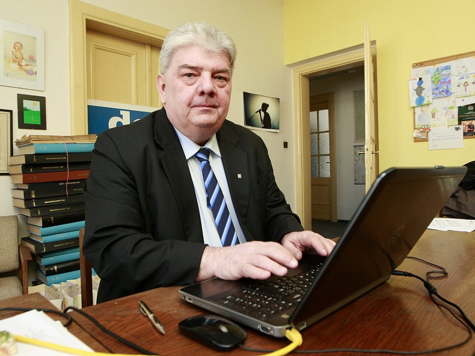 Josef Babka v redakci Moravskoslezského deníku.