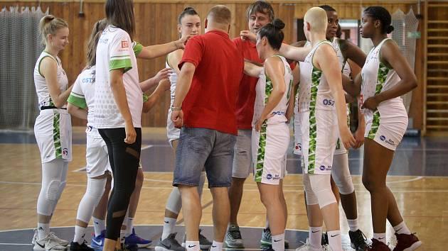 Basketbalový turnaj žen Memoriál Jiřího Jurdy: SBŠ Ostrava - Sokol Hradec Králové, 6. září 2019 v Ostravě.