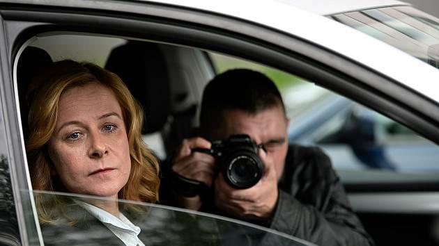 Záběry z natáčení krimiseriálu Stíny v mlze, který natáčí režisér Radim Špaček na Ostravsku a v Beskydech.