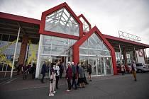 Otevření městské galerie Plato v budově bývalého hobymarketu Bauhaus v Ostravě, 11. dubna 2018