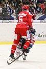Utkání 34. kola hokejové extraligy: HC Vítkovice Ridera - HC Oceláři Třinec, 12. ledna 2019 v Ostravě. Na snímku (zleva) Lukáš Krajíček, Jan Schleiss.
