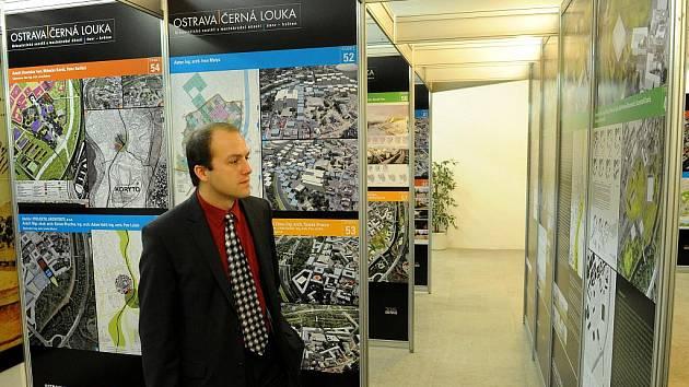 Lidé, kteří by chtěli vědět, jaké návrhy předložili architekti do mezinárodní urbanistické soutěže na revitalizaci Černé louky, mají možnost je zhlédnout na výstavě, která byla ve středu otevřena na Nové radnici.