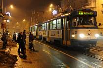 Ve středu poprvé mohli lidé v Ostravě využít městskou hromadnou dopravu a neplatit za přepravu.