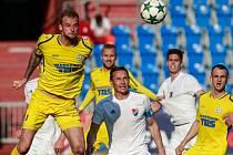 FC Baník Ostrava - FK Varnsdorf. Zleva Petr Zieris, Tomáš Zápotočný