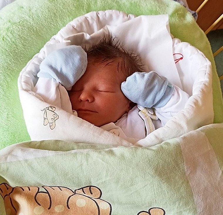 Karel Skřeček, Kravaře, narozen 28. dubna 2021 v Opavě, míra 52 cm, váha 3140 g. Foto: archiv rodiny