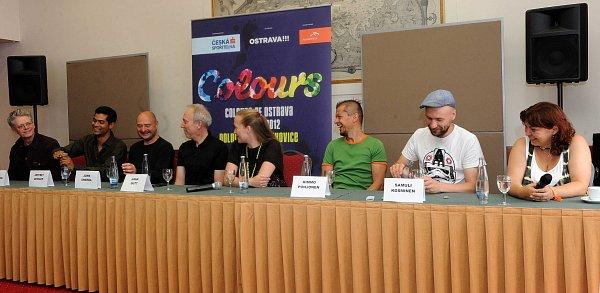 Snímek ze středeční tiskové konference kfestivalu Colours of Ostrava.