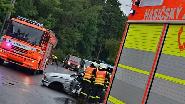 Mladý řídič BMW havaroval v Těšínské ulici nedaleko Slezskoostravského hradu.