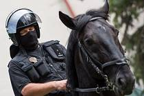 Ukázky výcviku koní, předvedení výstroje a výzbroje strážníků nebo představení práce kynologů. To vše mohli vidět lidé, kteří se v sobotu odpoledne vydali na Slezskoostravský hrad, kde probíhaly oslavy Městské policie Ostrava.