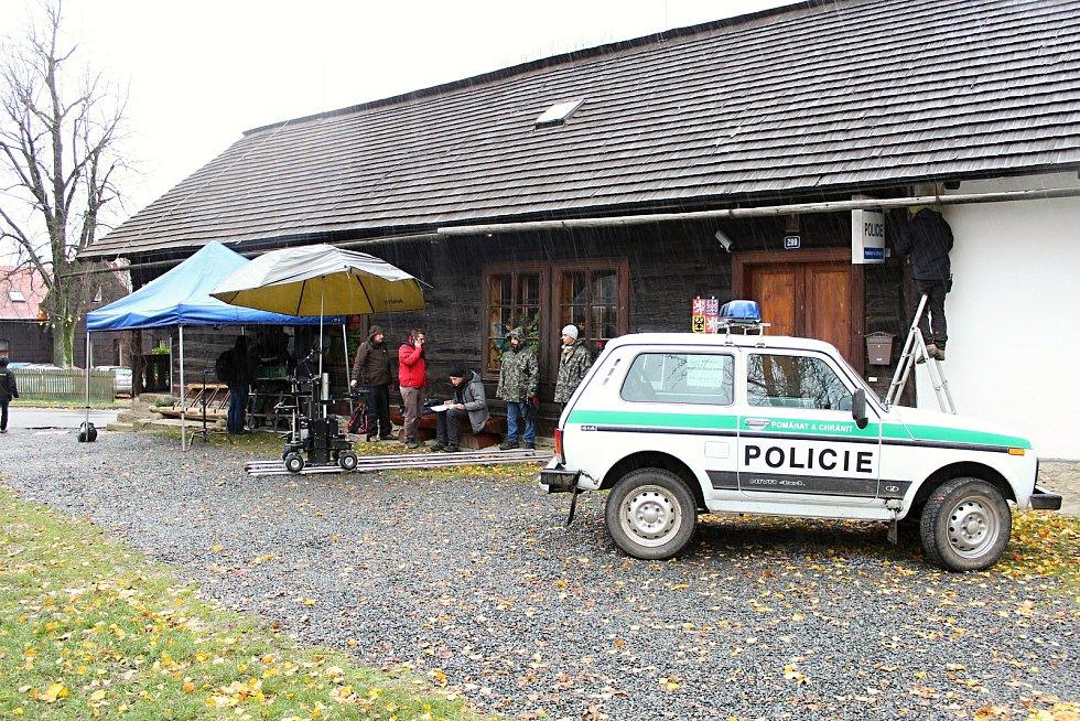 Natáčení volného pokračování úspěšného seriálu Doktor Martin s názvem Strážmistr Topinka ve Velkých Karlovicích, říjen 2017.