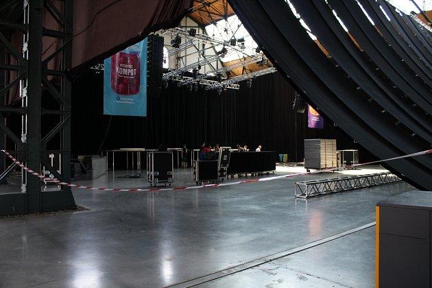 Přípravy na nový festival Ostravský kompot, který se bude konat už tuto neděli v Trojhalí Karolina.