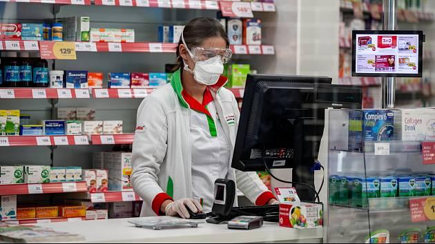 Nejčastěji najdou lékárníci chybu po zhodnocení vyzvedávaného receptu a dotazem na pacienta.