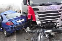 Vážná dopravní nehoda v pátek 8. března zablokovala komunikaci I/11 mezi Ostravou-Porubou a obcí Velká Polom.