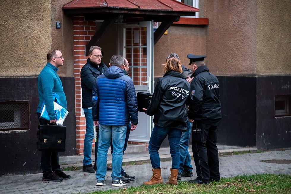 Vyšetřování násilného trestného činu. Příborská ulice, Ostrava - Hrabová, 15. prosince 2019 v Ostravě.