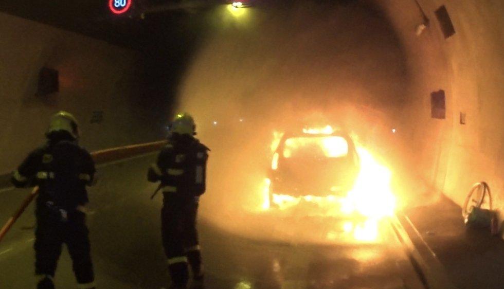 Požár v klimkovickém tunelu.