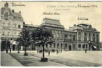 Sokolovna v Moravské Ostravě v sousedství Národního domu v dnešní ulici Československých legií, rok 1914.