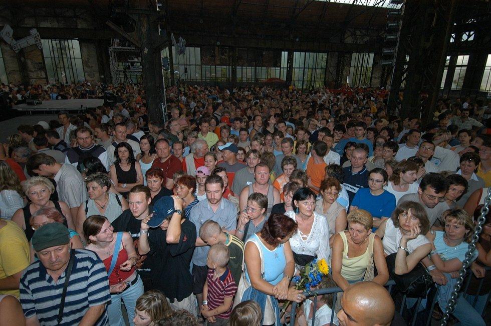 Snímek z koncertu Jarka Nohavici v roce 2006, kdy v Trojhalí vystupoval naposledy.