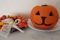Originální halloweenskou dýni si může vyrobit skutečně každý.