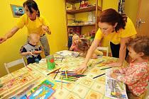 Miniškolka sídlí v prostorách základní školy, jde o bývalý byt školníka.