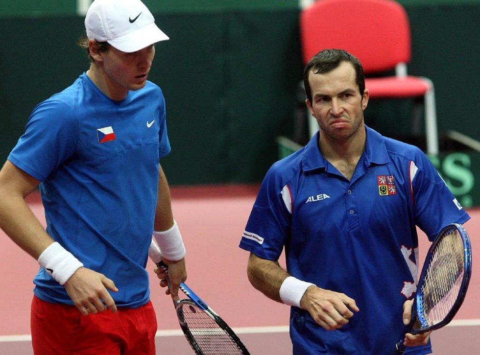 Z utkání čtyřhry Štěpánek, Berdych - Gasquet, Llodra. Vítězové Tomáš Berdych a Radek Štěpánek