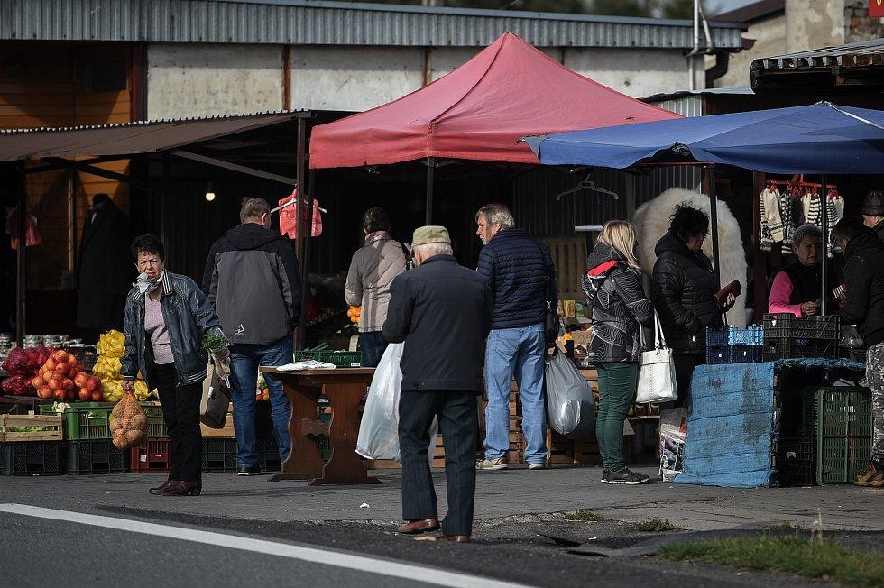 Trhy v polském Zabełkówe, říjen 2018.