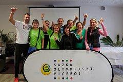 NADŠENÍ se vrátili všichni učitelé tělocviku z Hostivic, kde se po dobu dvou dnů zúčastnili akce Sazka Olympijský víceboj.