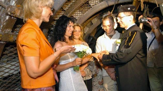 Svatba se odehrála v podzemí Hornického muzea OKD v Ostravě-Petřkovicích