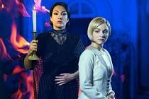 KATARÍNA HASPROVÁ (paní Danversová) a Veronika Prášil Gidová (Já) v muzikálu Rebecca, který bude mít premiéru v březnu v Ostravě.
