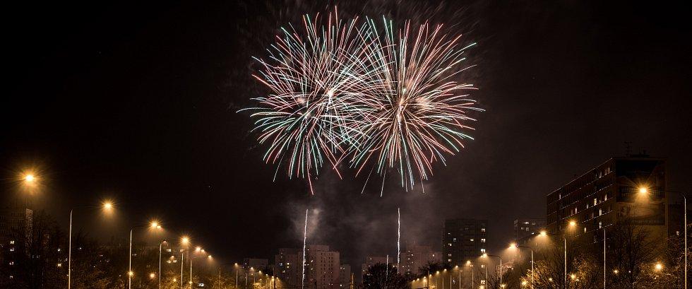 Novoroční ohňostroj na Jihu.
