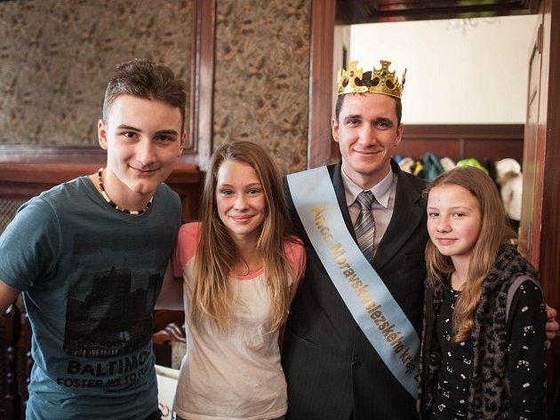 ZLATÝ ÁMOS Moravskoslezského kraje Michal Zajíček se svými žáky.