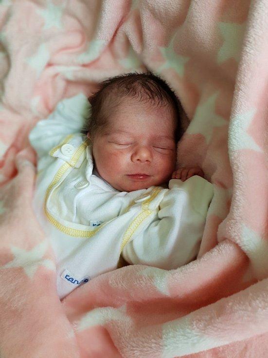 Antonie Dylušová, Opava, narozena 14. června 2021 v Opavě, míra 48 cm, váha 2720 g. Foto: Lucie Dlabolová, Andrea Šustková