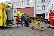 Moravskoslezští záchranáři převzali patnáct sanitek. Foto: ZZS MSK