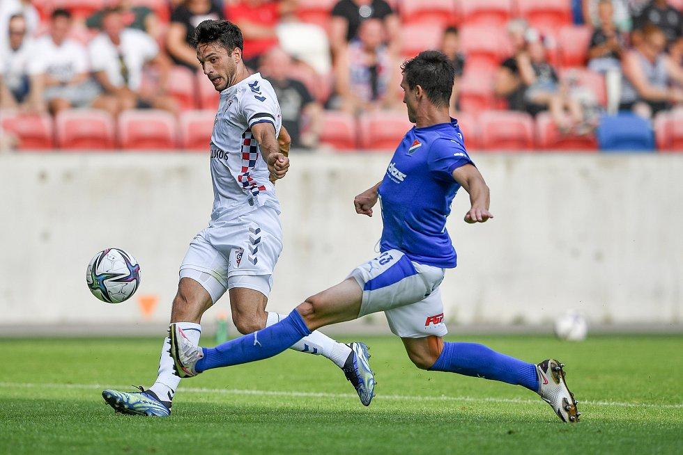 Přátelské utkání Górnik Zabrze - FC Baník Ostrava, 17. července 2021 v Zabrze (PL). (vlevo) Jaroslav Svozil z Ostravy