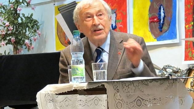 Ostravský lékař česko-srbského původu Rajko Doleček.