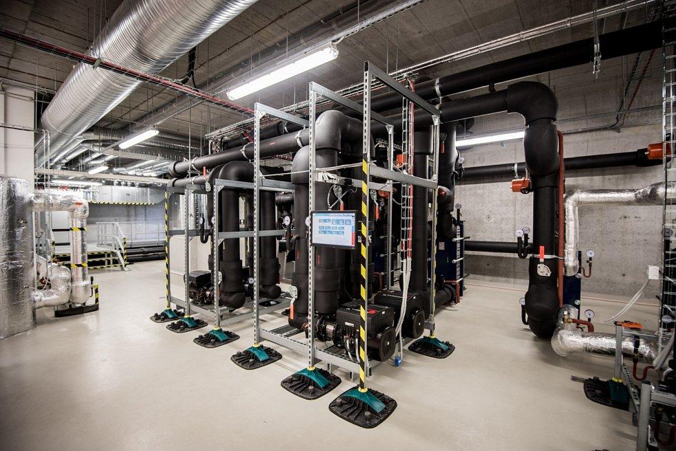 Jeden z nejvýkonnějších superpočítačů na světě byl oficiálně spuštěn na VŠB-Technické univerzitě Ostrava.
