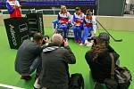 České tenistky si daly krátký oddych a nabité energií se vrátily do Ostravy, aby zahájily přípravu na víkendové semifinále Fed Cupu s Francií.