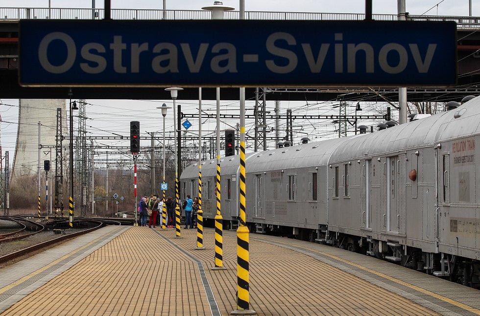 Vlakové nádraří v Ostravě-Svinově. ilustrační foto.