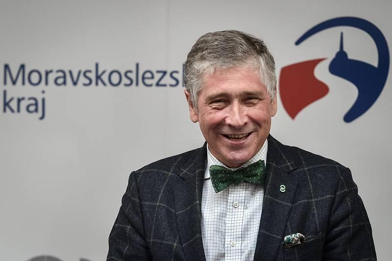 Motýlek je pro hejtmana Moravskoslezského kraje Ivo Vondráka (ANO) symbolem noblesy.