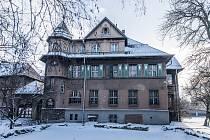 Vila, kterou navrhl ostravský architekt František Grossman, byla naposledy využívána jako školní družina.