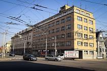Křižovatka Sokolské třídy s Českobratrskou ulicí v Ostravě, duben 2019.