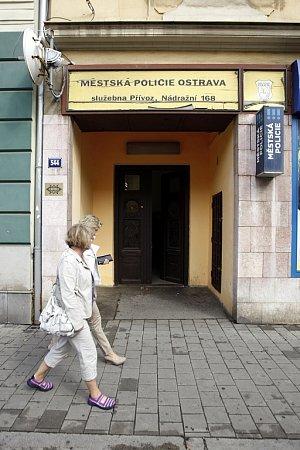 Rekonstrukce. Vúterý začala dvouměsíční rekonstrukce služebny vNádražní ulici vOstravě-Přívoze.