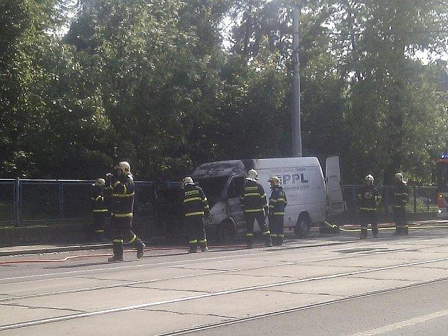 Snímek ze čtvrteční dopravní nehody.