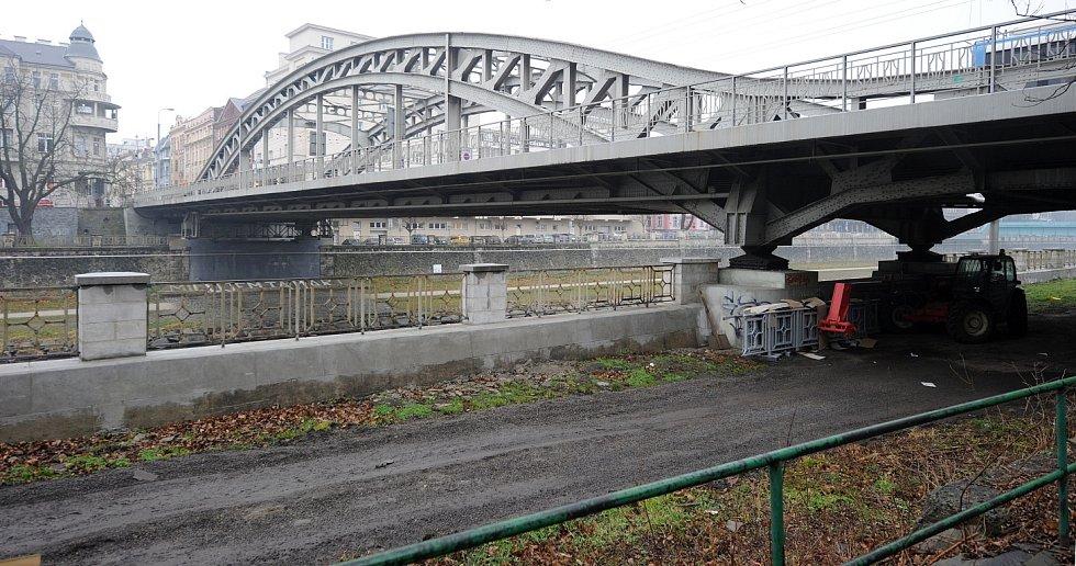 Současná podoba Mostu Miloše Sýkory.