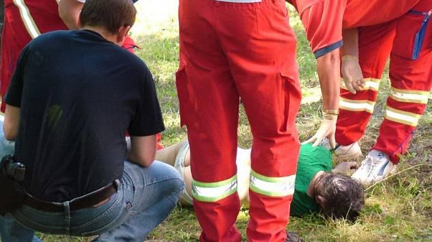 Z řeky Jičínky hasiči vytáhli tělo mrtvé ženy