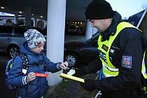 Policejní kontrolní akce zaměřená na viditelnost chodců. Ilustrační foto.