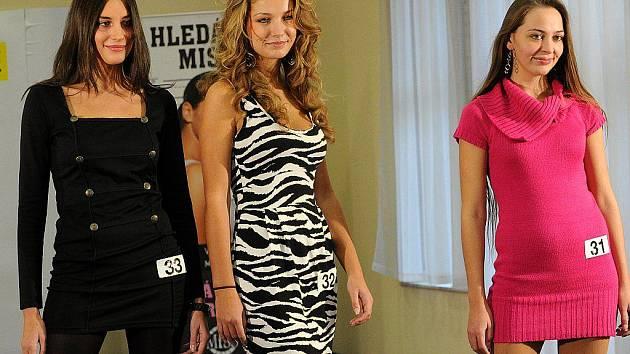 V Ostravě v neděli odstartoval první za série castingů Česká miss 2011. Do této soutěže konající se pod heslem Jedna soutěž, jediná Miss se již v celé České republice přihlásila téměř tisícovka dívek.