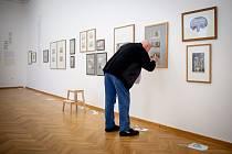 Nová instalace od Jacquese Callota (kreslíř a rytec) v GVUO (Galerie výtvarného umění v Ostravě), 20. ledna 2020 v Ostravě. Na snímku jeden z kurátorů výstavy Jan T. Štefan.