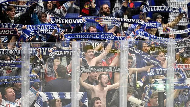 Utkání 51. kola hokejové extraligy: HC Vítkovice Ridera - HC Energie Karlovy Vary, 3. března 2020 v Ostravě. Fanoušci Vítkovic.
