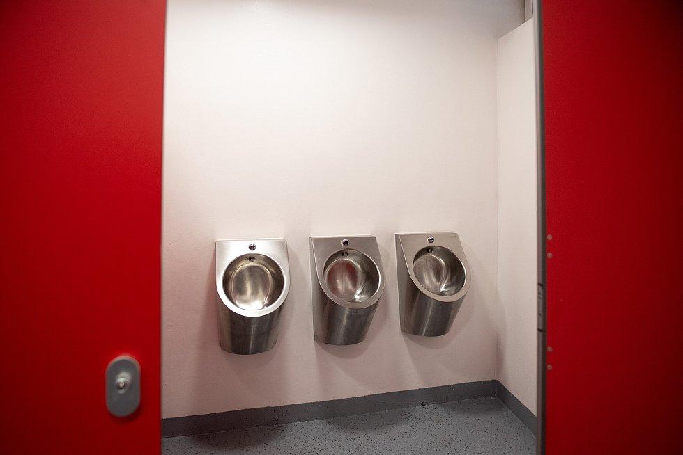 V Bělském lese opět funguje bistro i veřejné toalety. 23. ledna 2021 v Ostravě.