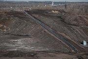 Rozjezd separační linky zatím funguje ve zkušebním provozu. Z plošného odvalu o výšce až třicet metrů nacházejícím se mezi bývalými šachtami Ida a Heřmanice vyseparuje linka tři základní materiály.